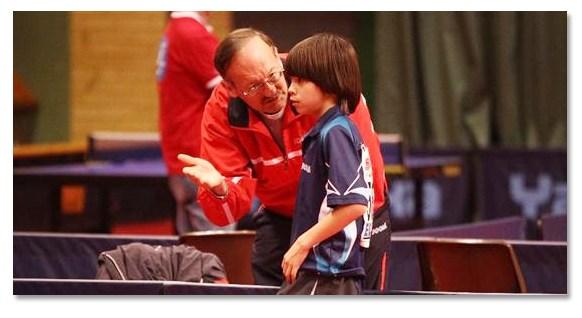 選擇私人乒乓球教練的三項準則(圖片來源:tabletennisdb.com)