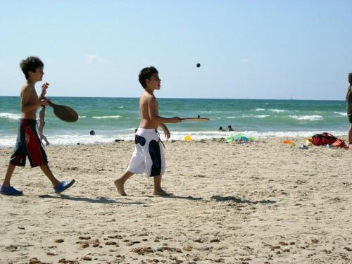 為何乒乓球訓練特別適合兒童? (Image courtesy of Yuval Haimovits at Flickr)